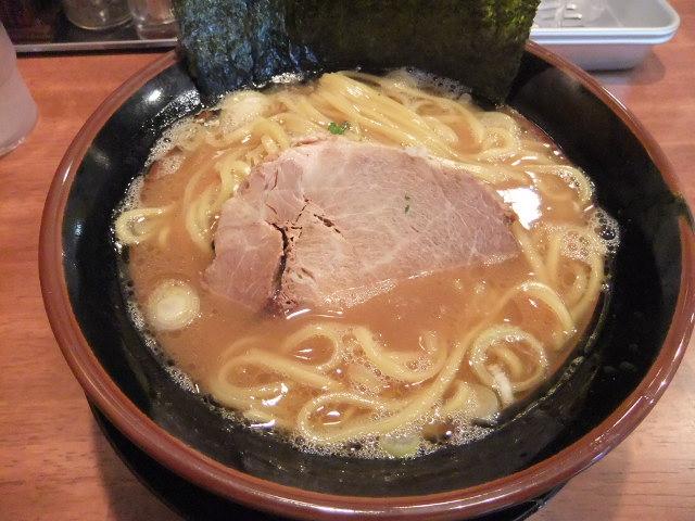 太龍軒の濃厚豚骨醤油ラーメン