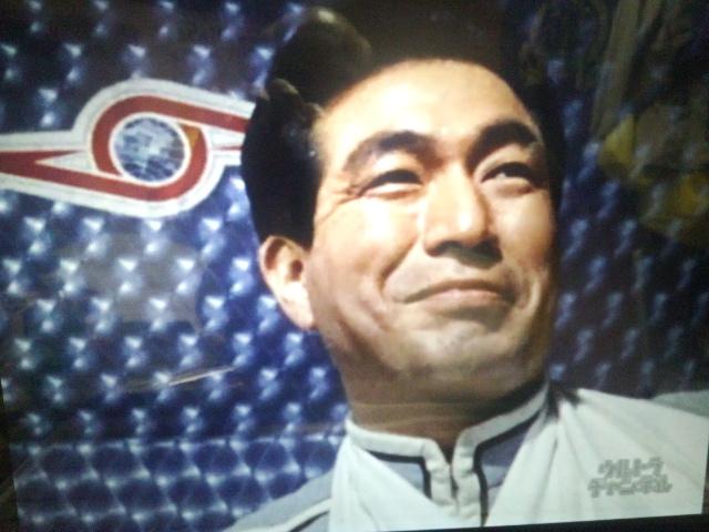 キリヤマ隊長